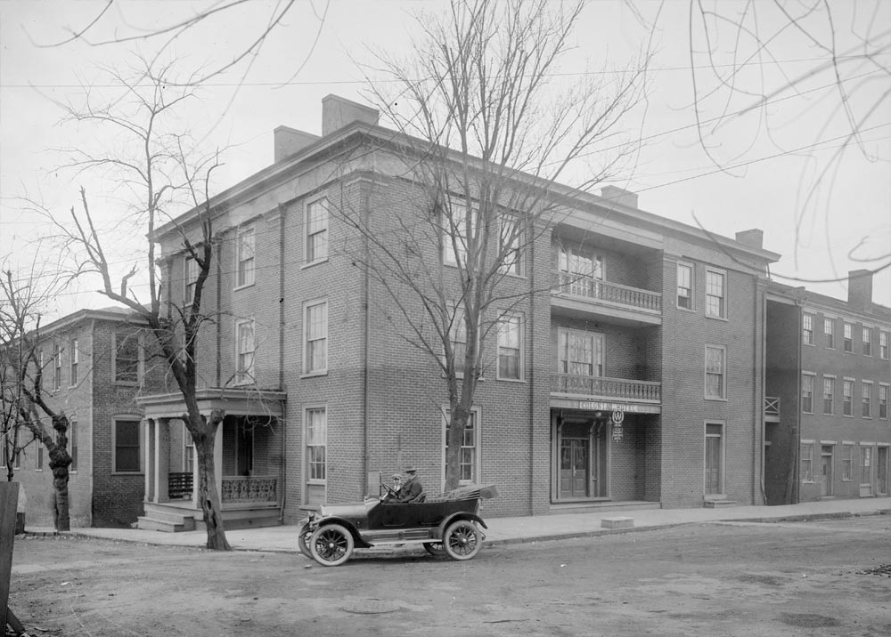 Colonial Hotel, 1915 photograph by Rufus Holsinger